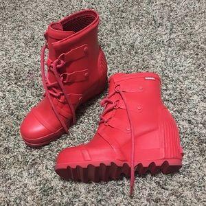 Sorel wedge winter boots